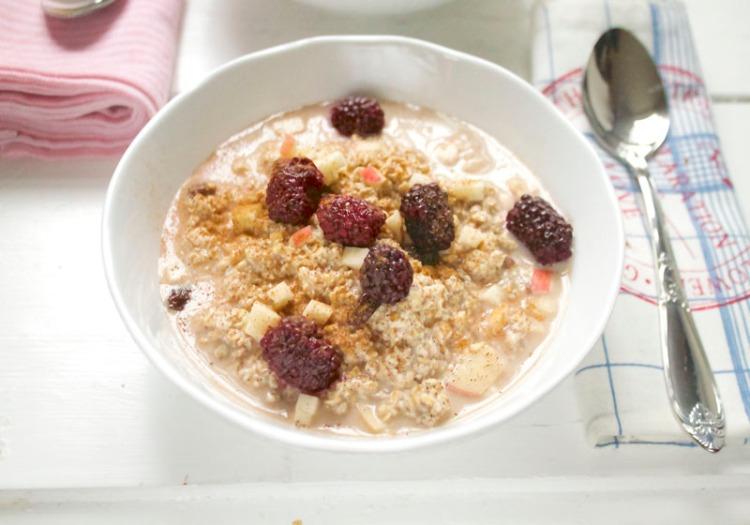 overnight-oats-som-smaker-eplekake